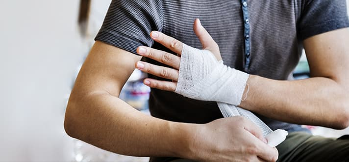 Verband an der Hand